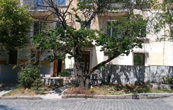 Продается нежилое помещение 67 м.кв. в центре города Севастополь на ул. Очаковцев