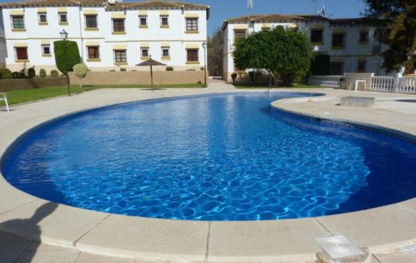 Продаются апартаменты 50 кв.м, район San Miguel de Salina в г. Торревьеха, Испания