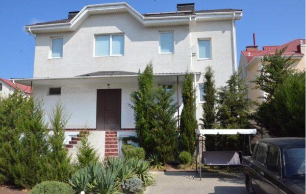"""Продается новый дом с отделкой """"под ключ"""", мебелью и бытовой техникой на ул. Рубежная, г. Севастополь"""