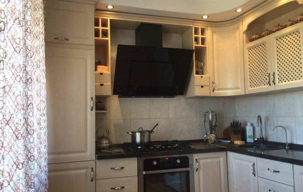 Продается 4-комнатная квартира на Античном пр-те, 9, г. Севастополь