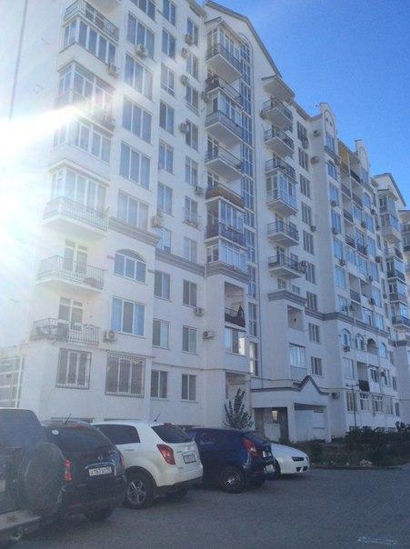Продается видовая 1-комнатная  квартира возле моря на ул. Челнокова, 12, г. Севастополь