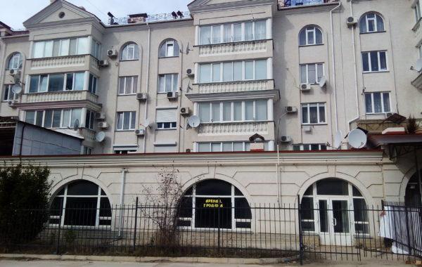 Продается нежилое торговое помещение 505 кв.м на Античном пр-те, 18, г. Севастополь