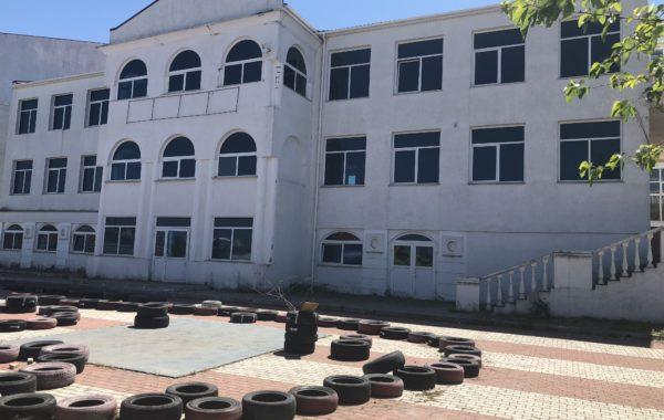 Продается 3-этажное отдельно стоящее здание площадью 1100 кв.м, г. Севастополь