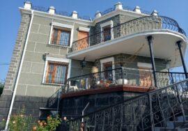 Продается 3-х этажный дом в селе Передовое (Байдарская долина)