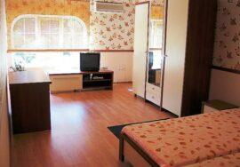 Продается 3-комнатная квартира в п. Форос (Большая Ялта) на ул. Терлецкого, 5
