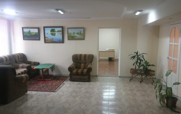 Продается офис 180 м.кв. с ремонтом на ул. Репина 15/1