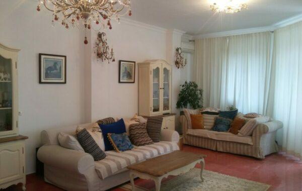 Продается 4-комнатная 2-уровневая квартира класса «люкс» на Античном пр-те, 18