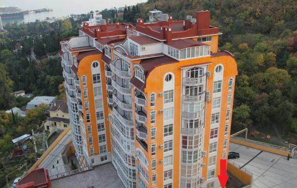 Продается нежилое помещение 71 м.кв. в ЖК Дарсан-Палас, г. Ялта
