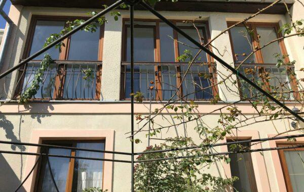 Меняем 2-этажный дом в Одессе 130 м кв.  на недвижимость в Крыму