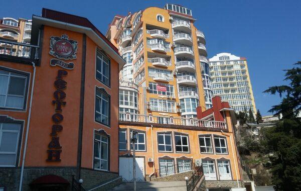 Продается нежилое помещение 361 м.кв. в ЖК Дарсан-Палас, г. Ялта