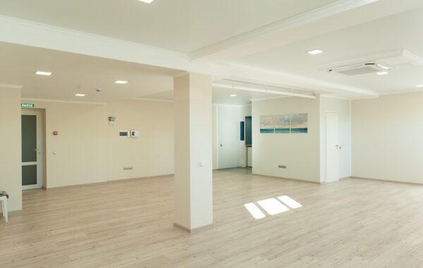 Продается цокольное помещение 98 м.кв. на Парковой 16 кор. 5, г. Севастополь