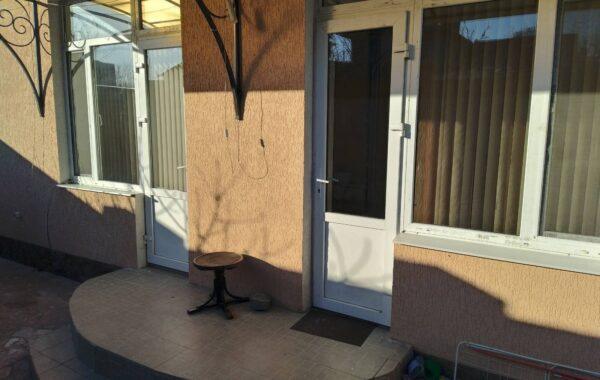 Сдается в аренду 2-комнатная квартира 53 кв. м по ул. Коробкова 10-А в Севастополе