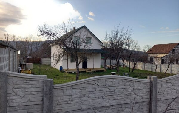 Продается новый жилой дом 90 кв. м в селе Орлиное