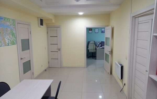 Продается офис с ремонтом 79 м.кв. на ул. Астана Кесаева, 18
