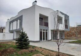 Продается 2-этажный коттедж 335 кв. м на ул. Щитовая в Севастополе