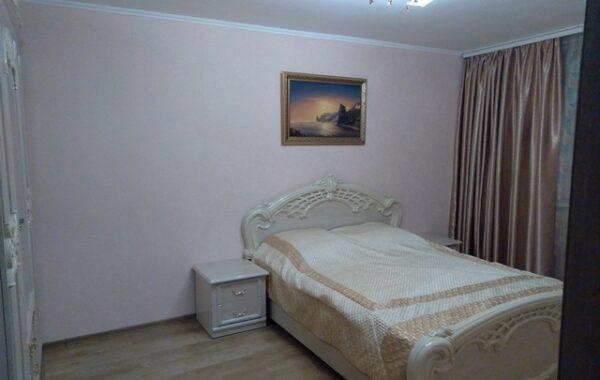 Продается 3-комнатная квартира 76 м.кв. на ул. Колобова 18/2