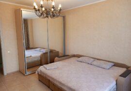 Продается 2-комнатная квартира 75 м.кв. на Античном пр-те, 20А