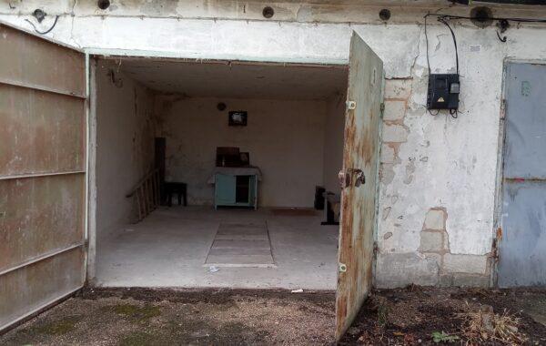 Продаётся каменный гараж 20 кв. м, ул. Генерала Коломийца, г. Севастополь