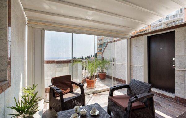 Продаются апартаменты «люкс» 102 м.кв. с видом на море в Ялте
